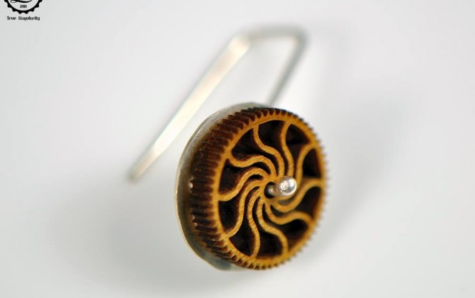 Decimononic - Mini timber cogs | Steampunk sterling silver wooden earrings